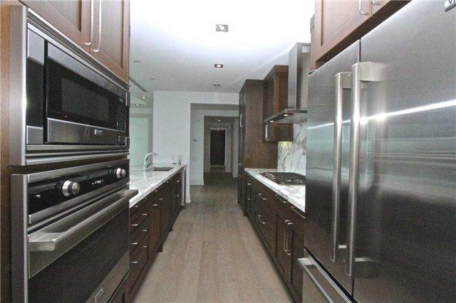 Condo Apartment at 77 Charles St W, Unit 904, Toronto, Ontario. Image 17