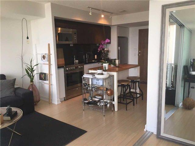 Condo Apartment at 85 Queens Wharf Rd, Unit 4010, Toronto, Ontario. Image 10