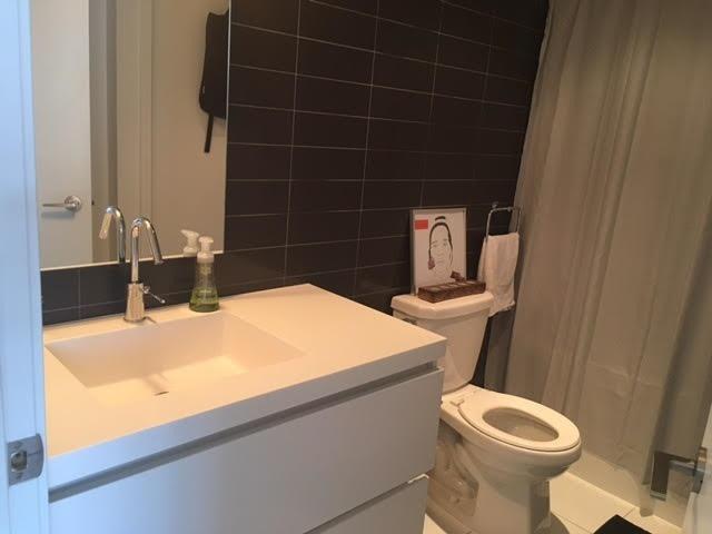 Condo Apartment at 85 Queens Wharf Rd, Unit 4010, Toronto, Ontario. Image 4