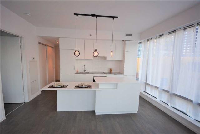 Condo Apartment at 5 St. Joseph St, Unit 1608, Toronto, Ontario. Image 5