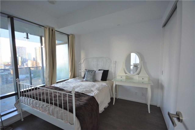 Condo Apartment at 5 St. Joseph St, Unit 1608, Toronto, Ontario. Image 8