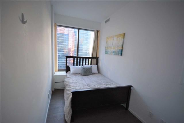 Condo Apartment at 5 St. Joseph St, Unit 1608, Toronto, Ontario. Image 9