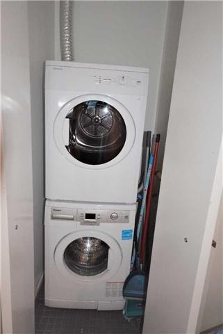 Condo Apartment at 5 St. Joseph St, Unit 1608, Toronto, Ontario. Image 3
