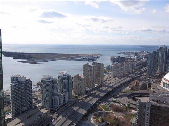 Condo Apartment at 55 Bremner Blvd, Unit 4901, Toronto, Ontario. Image 15
