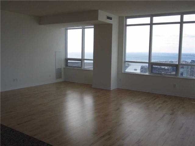 Condo Apartment at 55 Bremner Blvd, Unit 4901, Toronto, Ontario. Image 19