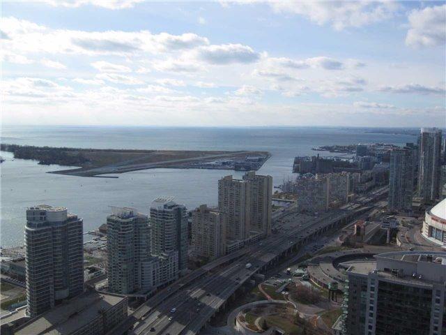 Condo Apartment at 55 Bremner Blvd, Unit 4901, Toronto, Ontario. Image 7