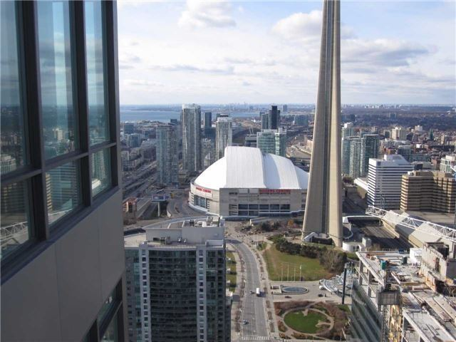Condo Apartment at 55 Bremner Blvd, Unit 4901, Toronto, Ontario. Image 8