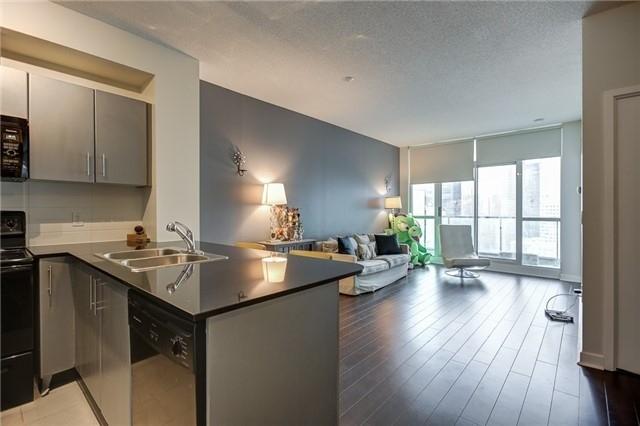 Condo Apartment at 12 Yonge St, Unit 2201, Toronto, Ontario. Image 12