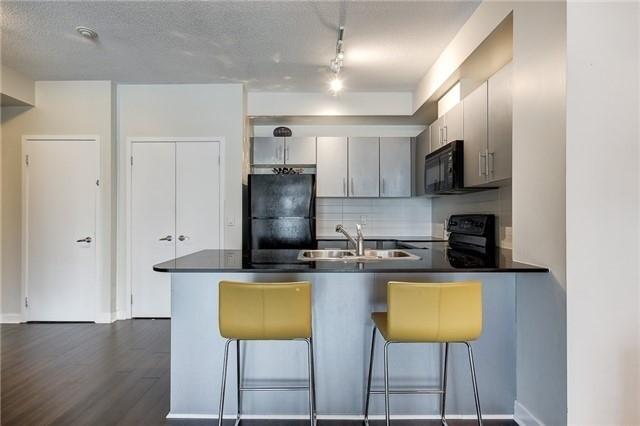 Condo Apartment at 12 Yonge St, Unit 2201, Toronto, Ontario. Image 16