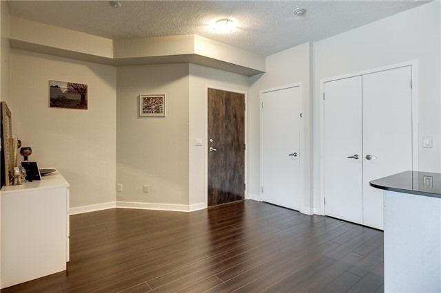 Condo Apartment at 12 Yonge St, Unit 2201, Toronto, Ontario. Image 17