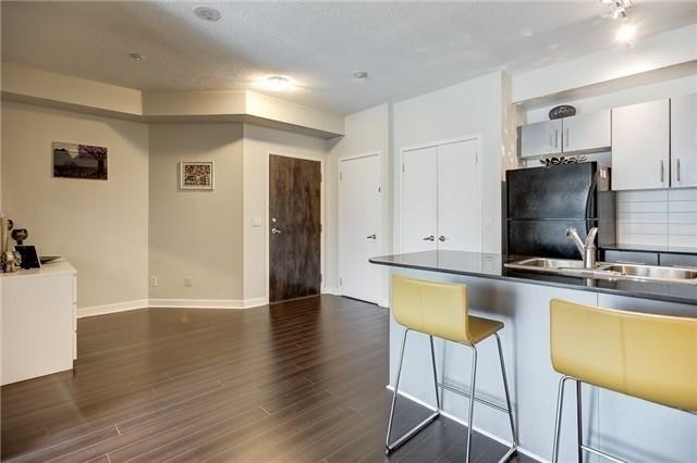 Condo Apartment at 12 Yonge St, Unit 2201, Toronto, Ontario. Image 18