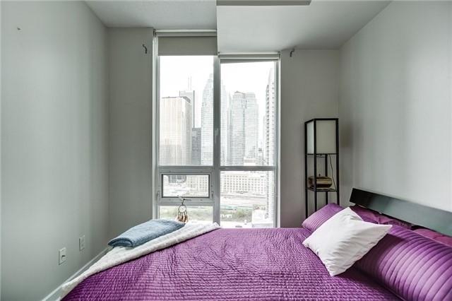 Condo Apartment at 12 Yonge St, Unit 2201, Toronto, Ontario. Image 10