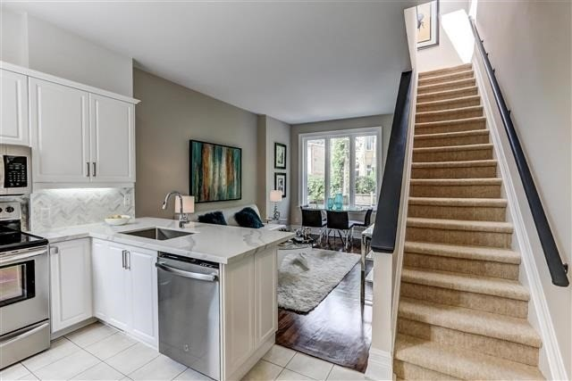 Townhouse at 4 Flagler St, Toronto, Ontario. Image 12