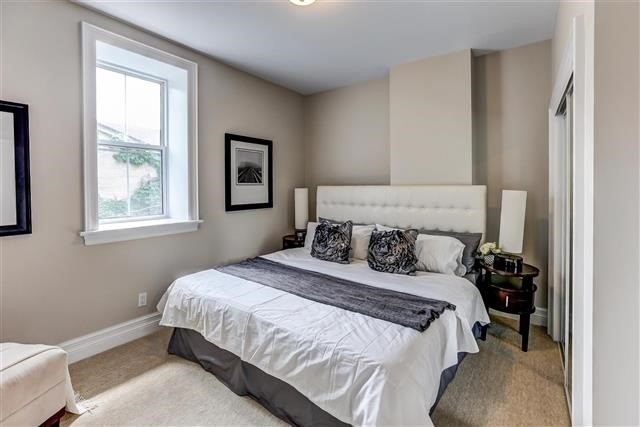 Townhouse at 4 Flagler St, Toronto, Ontario. Image 6