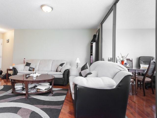Condo Apartment at 260 Queens Quay W, Unit 505, Toronto, Ontario. Image 16