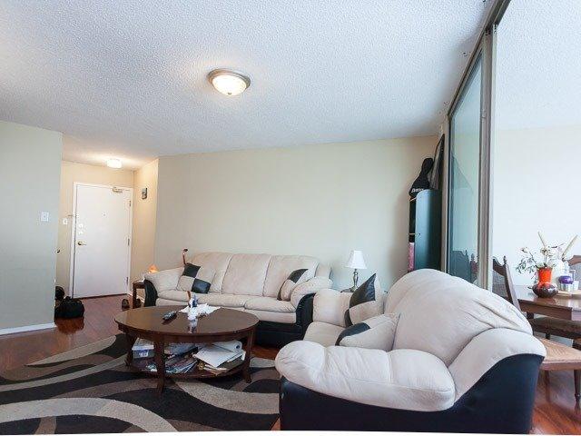 Condo Apartment at 260 Queens Quay W, Unit 505, Toronto, Ontario. Image 19