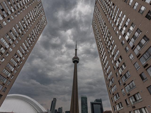 Condo Apartment at 260 Queens Quay W, Unit 505, Toronto, Ontario. Image 8