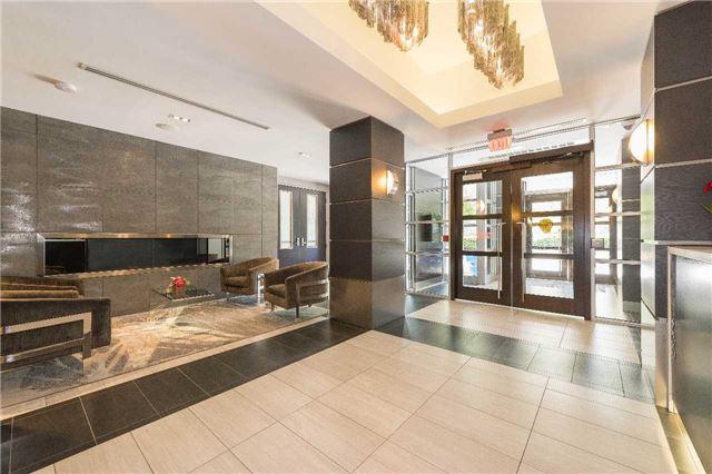 Condo Apartment at 399 Adelaide St W, Unit 704, Toronto, Ontario. Image 12