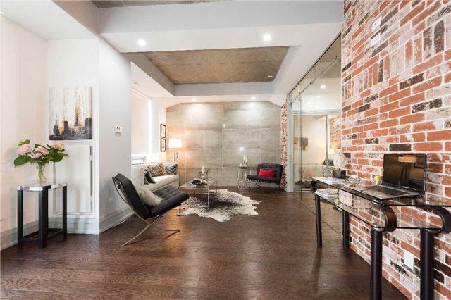 Condo Apartment at 399 Adelaide St W, Unit 704, Toronto, Ontario. Image 15