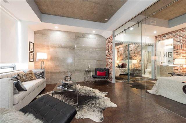 Condo Apartment at 399 Adelaide St W, Unit 704, Toronto, Ontario. Image 17