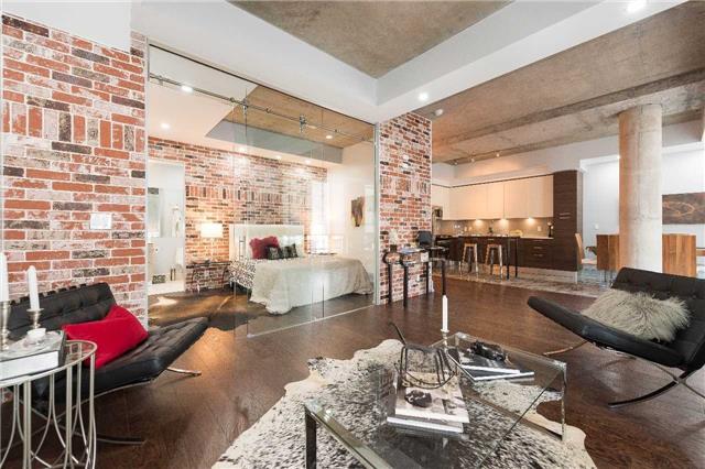 Condo Apartment at 399 Adelaide St W, Unit 704, Toronto, Ontario. Image 18