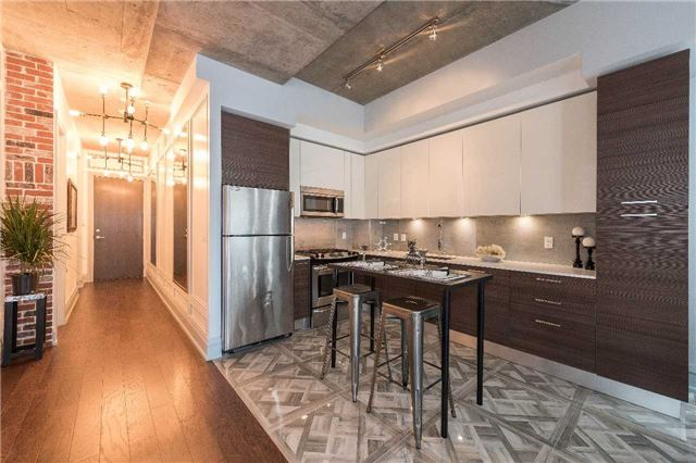 Condo Apartment at 399 Adelaide St W, Unit 704, Toronto, Ontario. Image 19