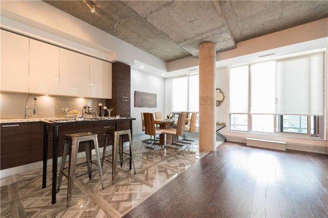 Condo Apartment at 399 Adelaide St W, Unit 704, Toronto, Ontario. Image 2