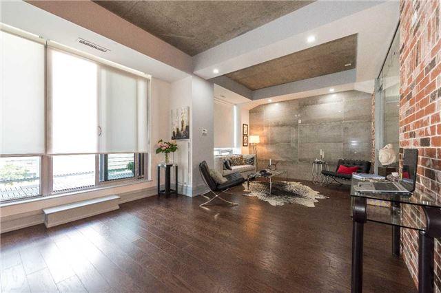 Condo Apartment at 399 Adelaide St W, Unit 704, Toronto, Ontario. Image 4