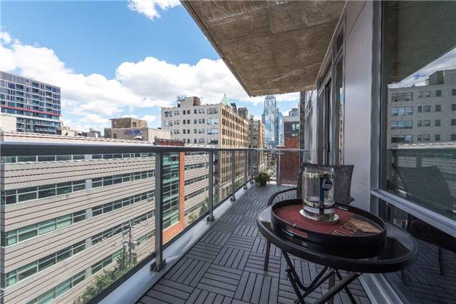 Condo Apartment at 399 Adelaide St W, Unit 704, Toronto, Ontario. Image 10