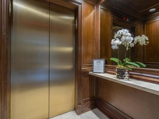 Condo Apartment at 1 Chedington Pl, Unit 4B, Toronto, Ontario. Image 11