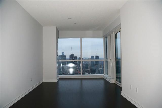 Condo Apartment at 386 Yonge St, Unit 4801, Toronto, Ontario. Image 6