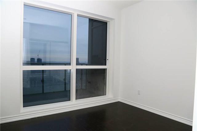 Condo Apartment at 386 Yonge St, Unit 4801, Toronto, Ontario. Image 8