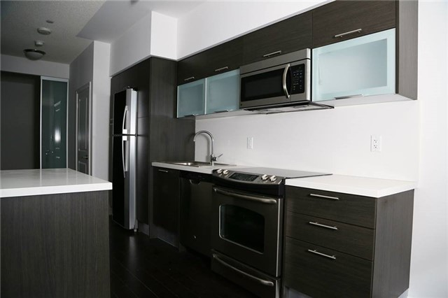 Condo Apartment at 386 Yonge St, Unit 4801, Toronto, Ontario. Image 9