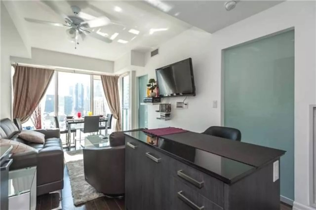 Condo Apartment at 8 The Esplanade, Unit 1703, Toronto, Ontario. Image 1