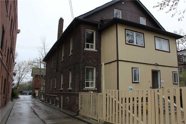 Multiplex at 46 Barton Ave, Toronto, Ontario. Image 15