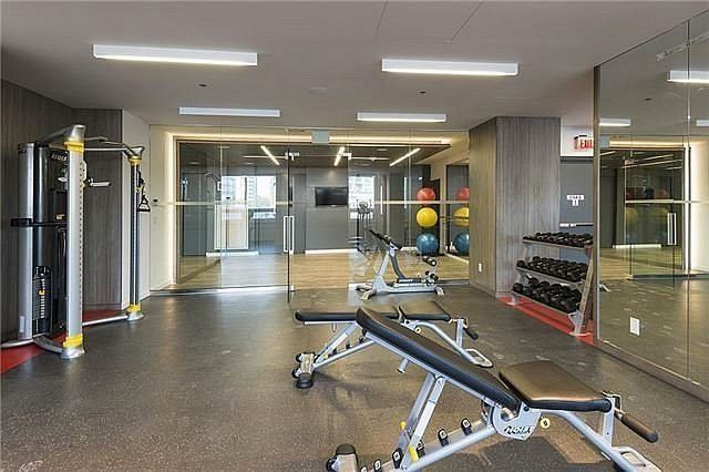 Condo Apartment at 318 Richmond St W, Unit 406, Toronto, Ontario. Image 2