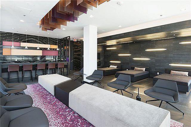 Condo Apartment at 318 Richmond St W, Unit 406, Toronto, Ontario. Image 3