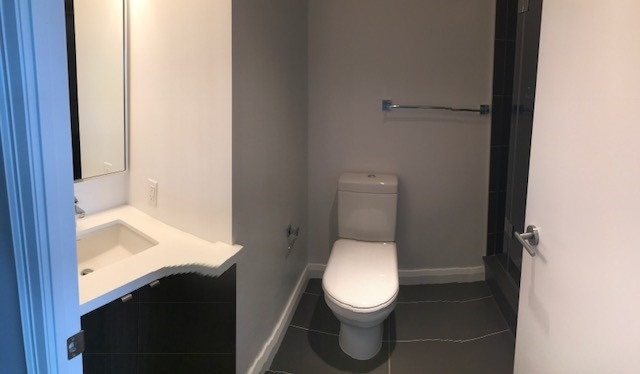 Condo Apartment at 155 Yorkville Ave, Unit 2518, Toronto, Ontario. Image 3
