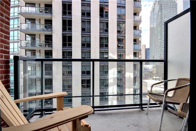 Condo Apartment at 38 The Esplanade, Unit 903, Toronto, Ontario. Image 3