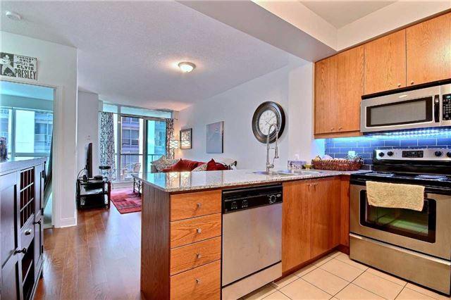Condo Apartment at 38 The Esplanade, Unit 903, Toronto, Ontario. Image 5