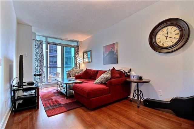 Condo Apartment at 38 The Esplanade, Unit 903, Toronto, Ontario. Image 2