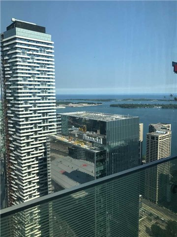 Condo Apartment at 12 York St, Unit 5409, Toronto, Ontario. Image 6