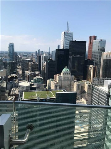 Condo Apartment at 12 York St, Unit 5409, Toronto, Ontario. Image 10