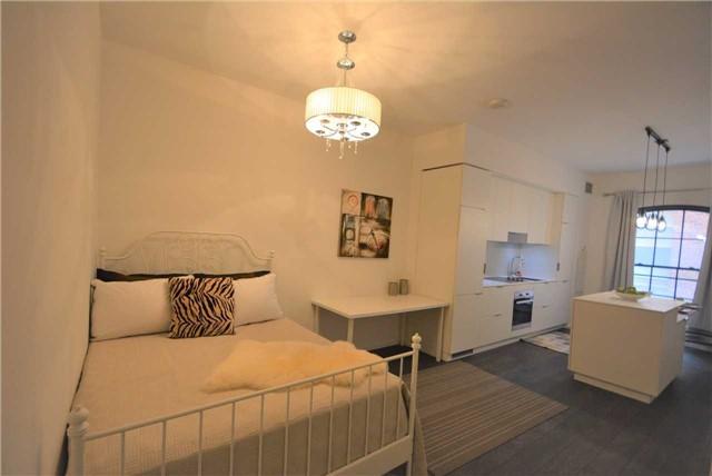 Condo Apartment at 5 St Joseph St, Unit 214, Toronto, Ontario. Image 5