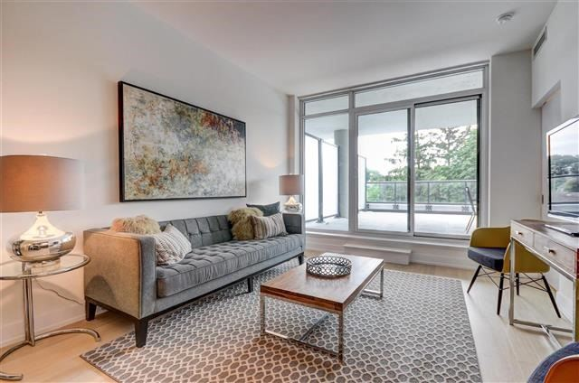 Condo Apartment at 925 Eglinton Ave W, Unit 301, Toronto, Ontario. Image 10