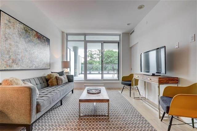 Condo Apartment at 925 Eglinton Ave W, Unit 301, Toronto, Ontario. Image 11