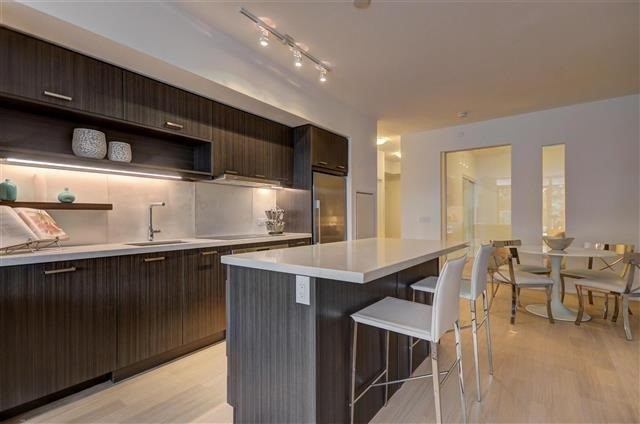Condo Apartment at 925 Eglinton Ave W, Unit 301, Toronto, Ontario. Image 13