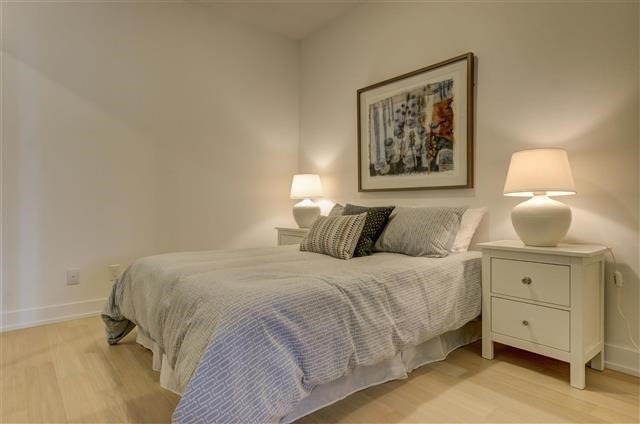 Condo Apartment at 925 Eglinton Ave W, Unit 301, Toronto, Ontario. Image 2