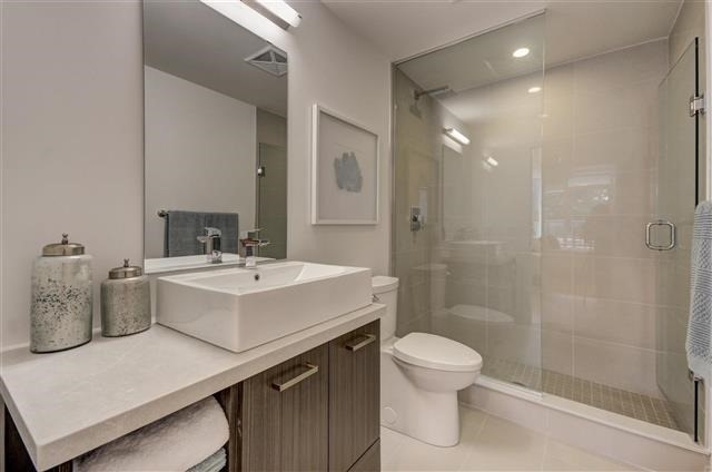 Condo Apartment at 925 Eglinton Ave W, Unit 301, Toronto, Ontario. Image 6