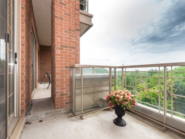 Condo Apartment at 21 Burkebrook Pl, Unit 408, Toronto, Ontario. Image 7